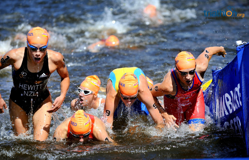 Swim exit at Hamburg Mixed Relay